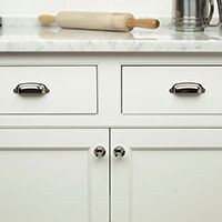Cabinet and Furniture Knobs and Pulls