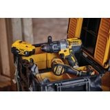 DEWALT 20V MAX CORDLESS BRUSHLESS XR 3 SPEED HAMMERDRILL AND DRIVER KIT