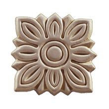 3-5/16in W x 3-5/16in H | Unfinished Maple Embossed Wood Veneer | Small Applique