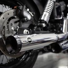 "Grand National Slip-On Mufflers Chrome with Black End Cap - 3.25"" for 1995-2009 Dyna<sup>®</sup> models with staggered exhaust (FXD<sup>®</sup>, FXDB<sup>®</sup>, etc)"