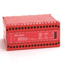 Allen-Bradley, 440R-G23216, 440R Single Function Safety Relays, 4 N.C., 2 PNP Solid State