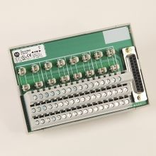 Allen-Bradley, 1492-AIFM8-3, Feed-Through 8 Channel Analog IFM, 3 Terminals per InputAnalog Interface Module