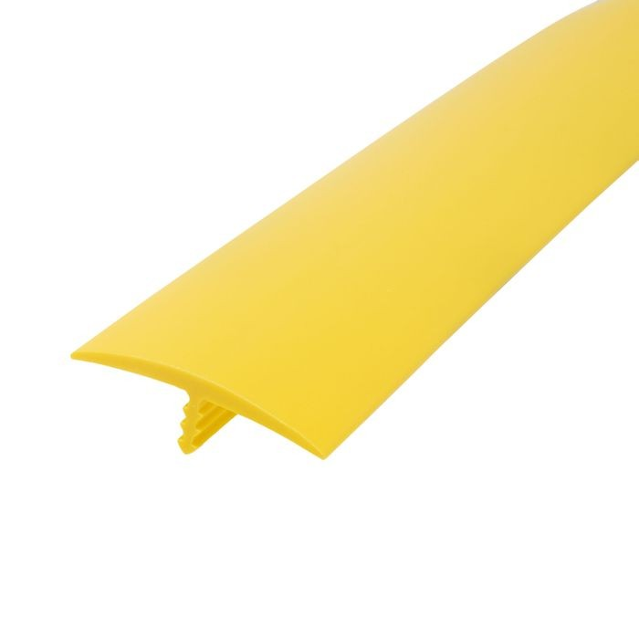 1-1/4in 895 Yellow Flexible Polyethylene | Center Barb Tee Moulding | 250ft Coil