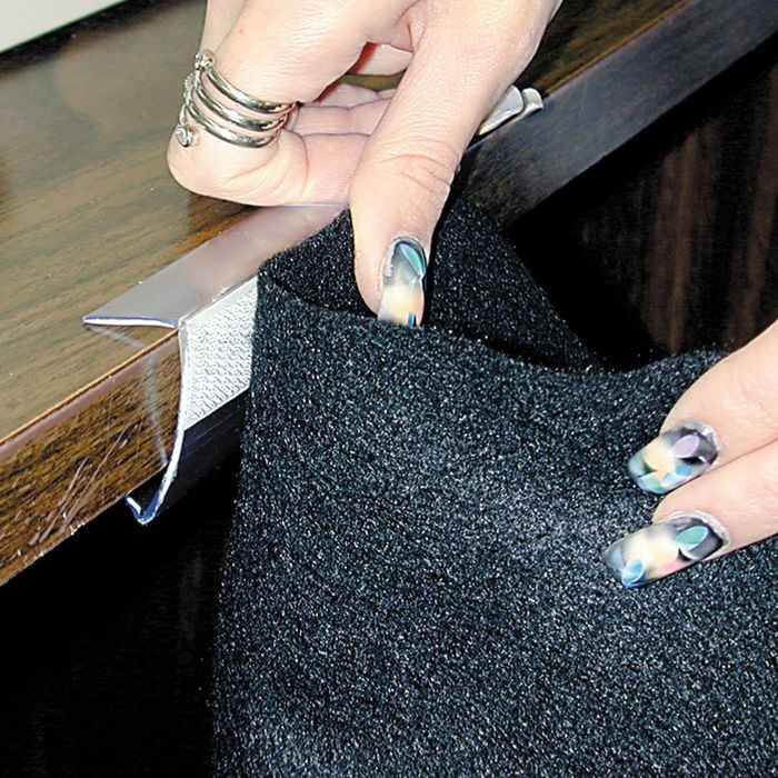 "1 1/2"" Table Skirting Clip With Hook  (3"")"