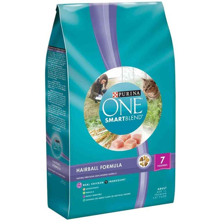One SmartBlend Hairball Formula Cat Food